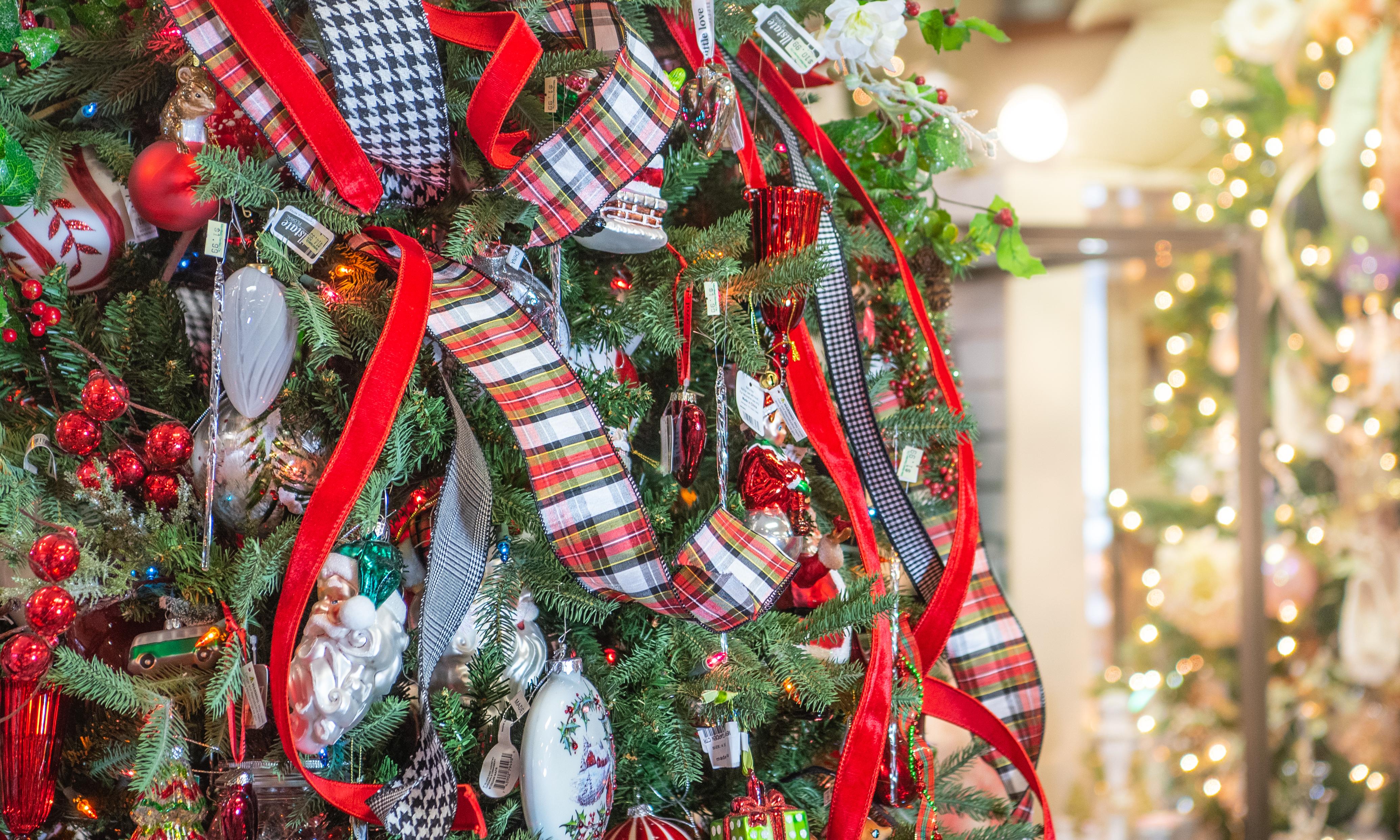Christmas Tree with Plaid Ribbon, Holiday Shop