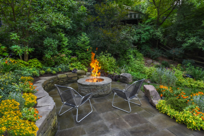 Fire Pit with Stone Wall