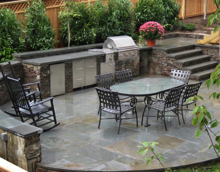 Outdoor Kitchen on Slate Patio
