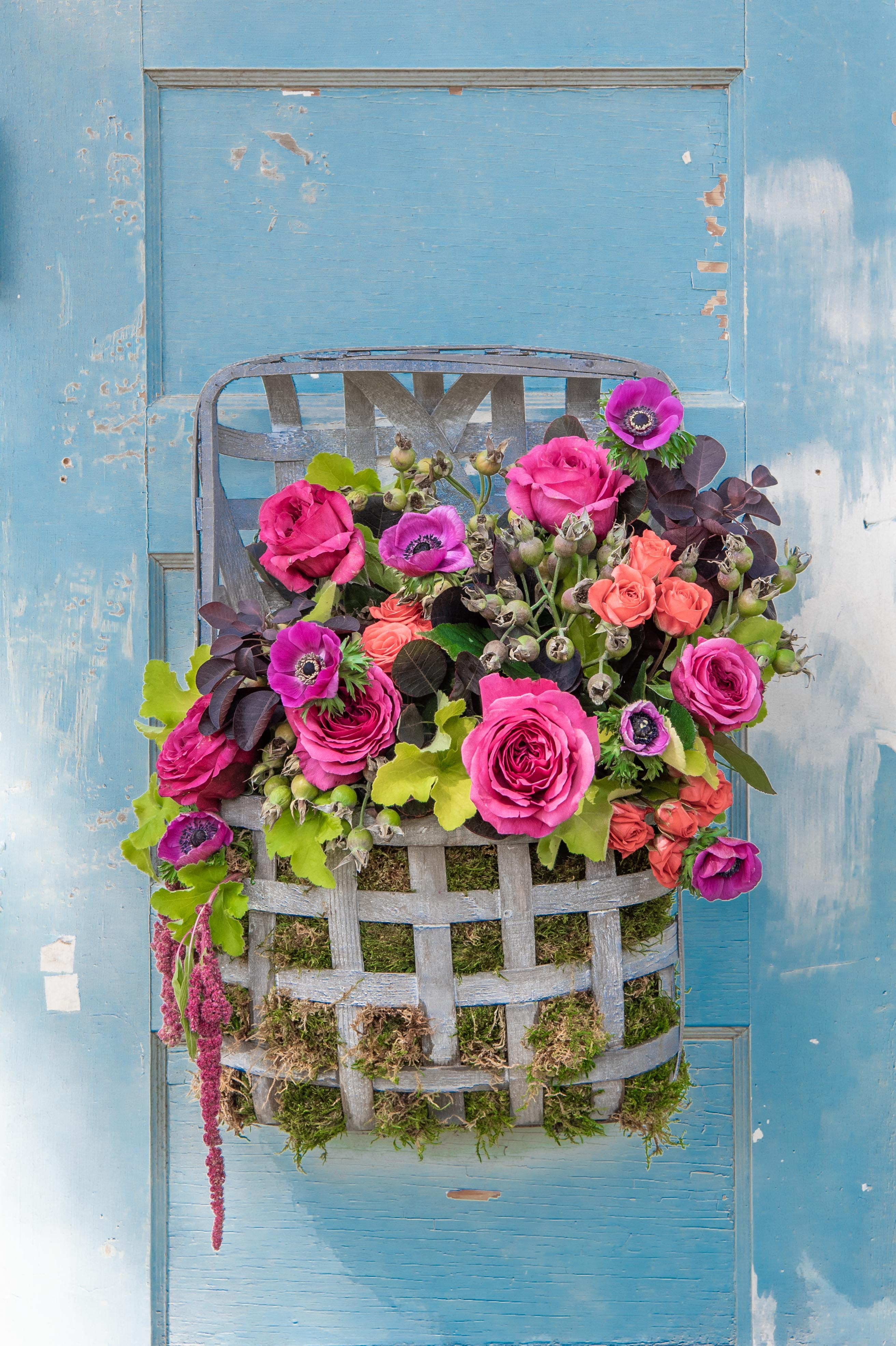 Floral Arrangement with Heuchera, Roses and Anemone