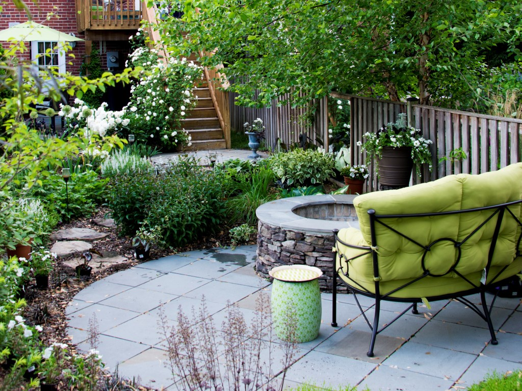 Townhouse Patio with Firepit